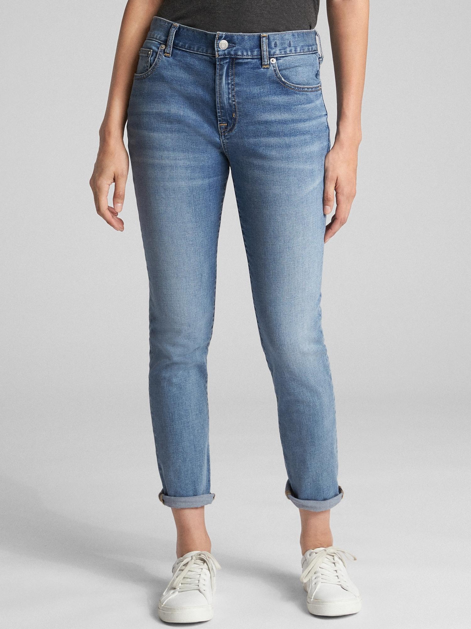 Girlfriend jeans vs boyfriend jeans, girlfriend jeans fit