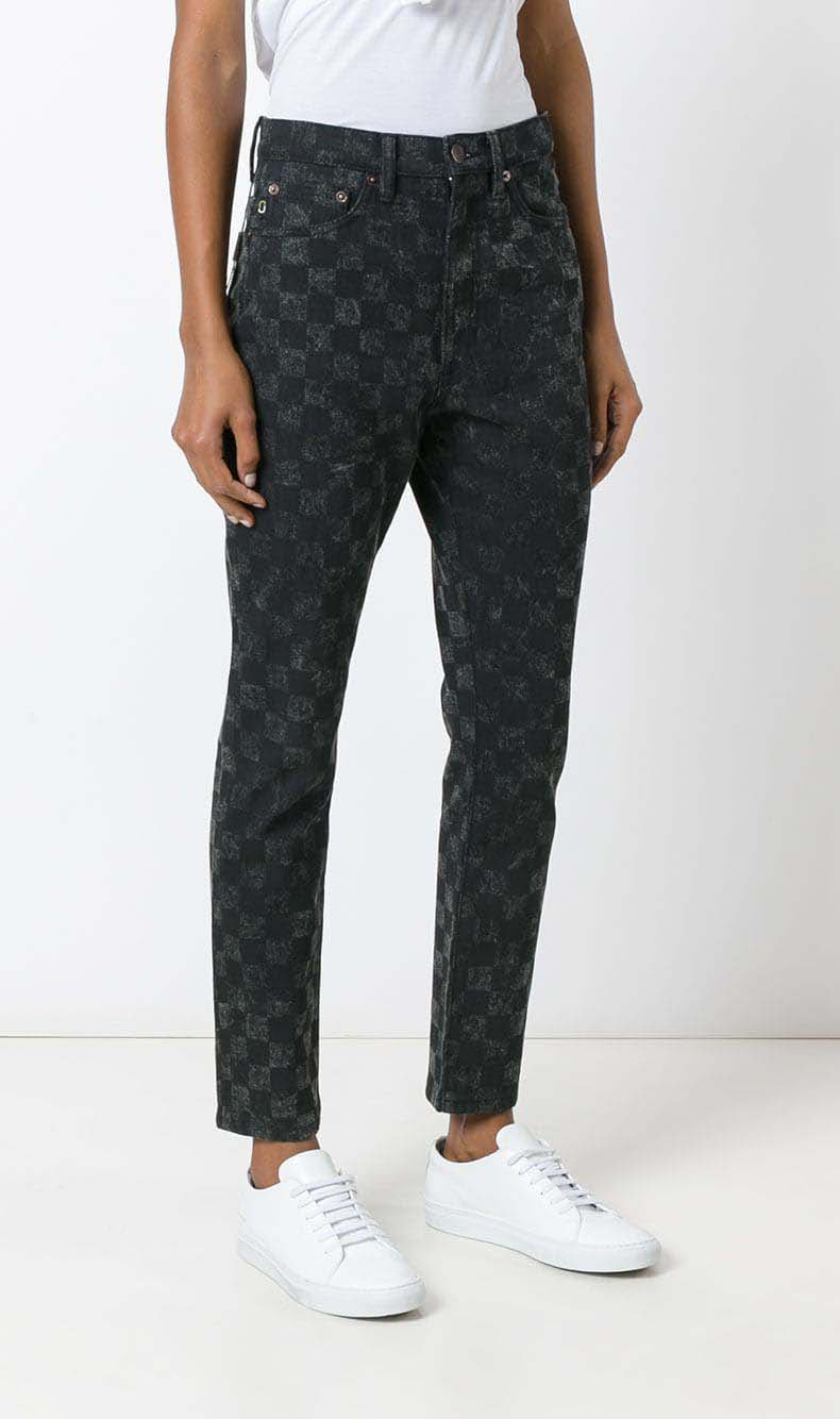 Casual jeans outfit idea. Marc Jacobs checker print Flood Stovepipe jeans