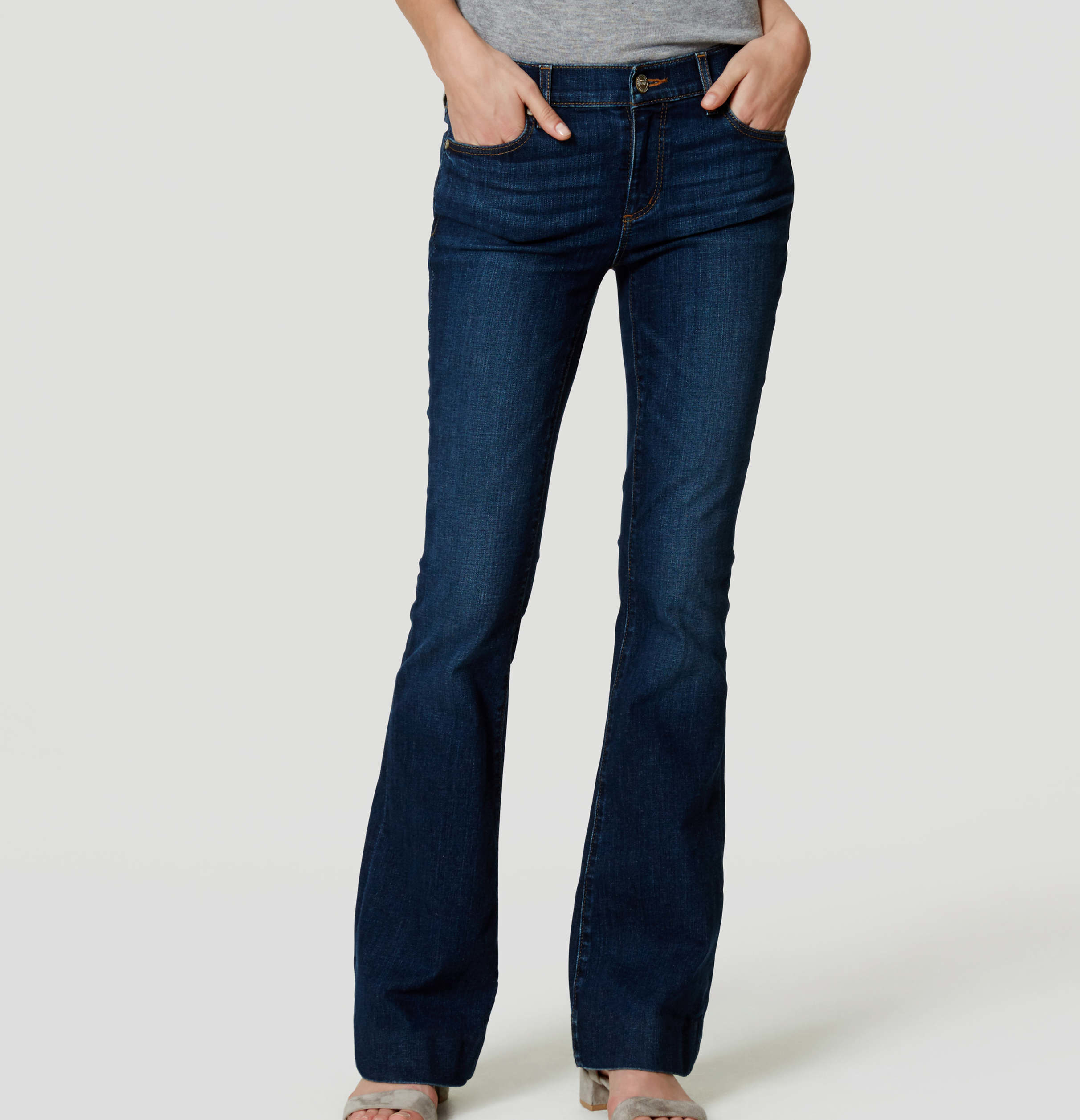 Flare Jeans in Dark Enzyme Wash