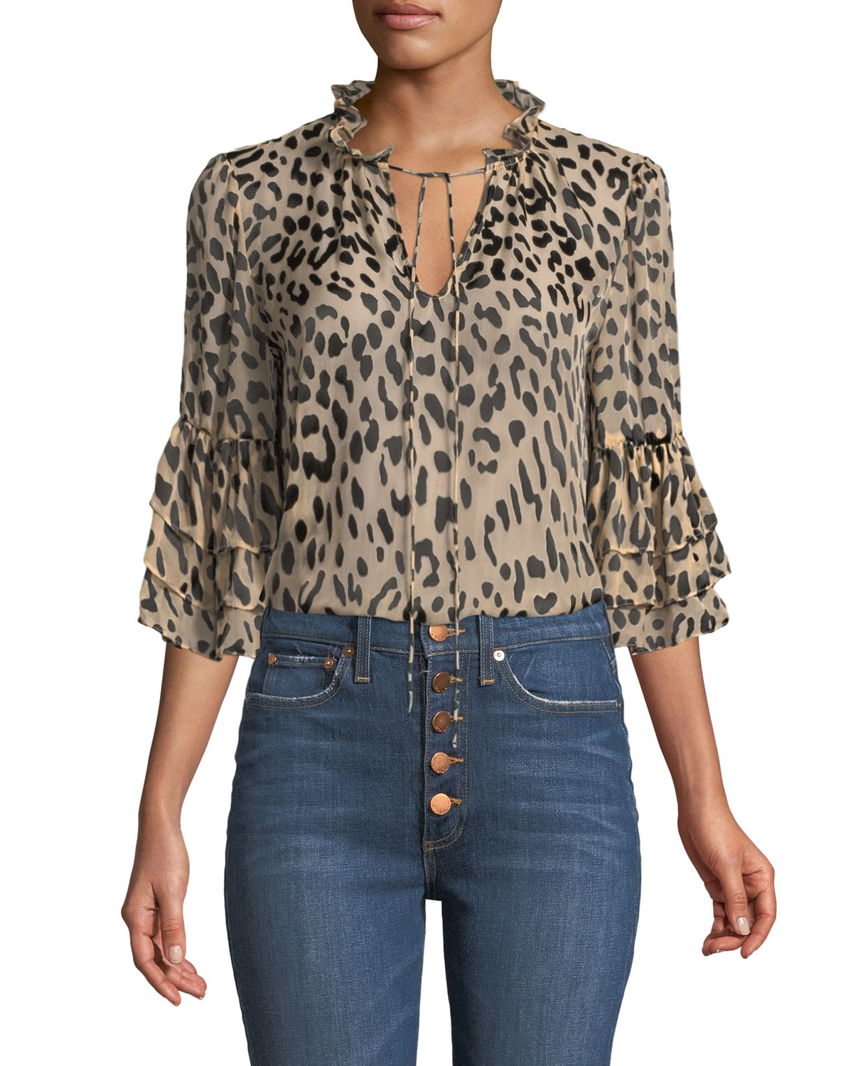 printed top with tucked in hem