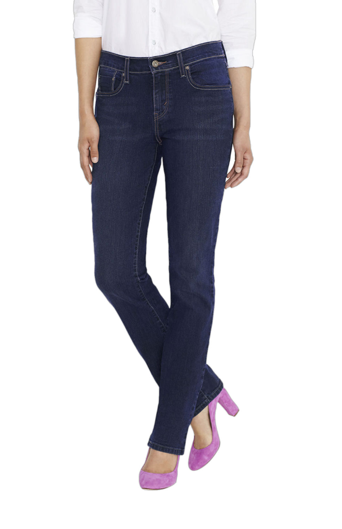 statement shoes with jeans