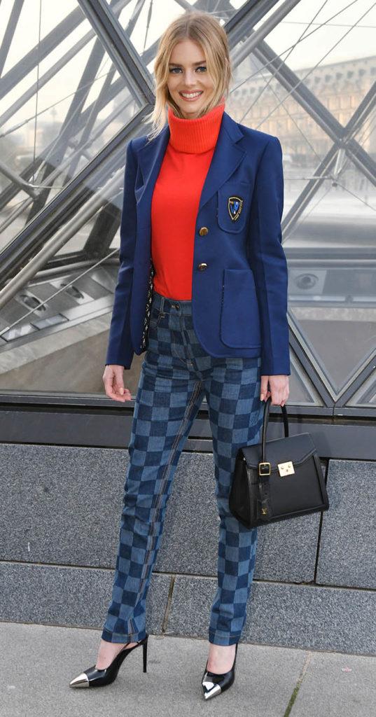 casual outfit with jeans, Samara Weaving, Louis Vuitton, Paris Fashion Week, louis vuitton jeans, checkerboard jeans, checkered jeans, plaid jeans, checkerboard skinny jeans, check jeans, checked jeansLouis Vuitton Checkered Jeans,