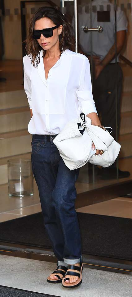 Victoria Beckham in low-rise jeans. The return of low rise jeans.
