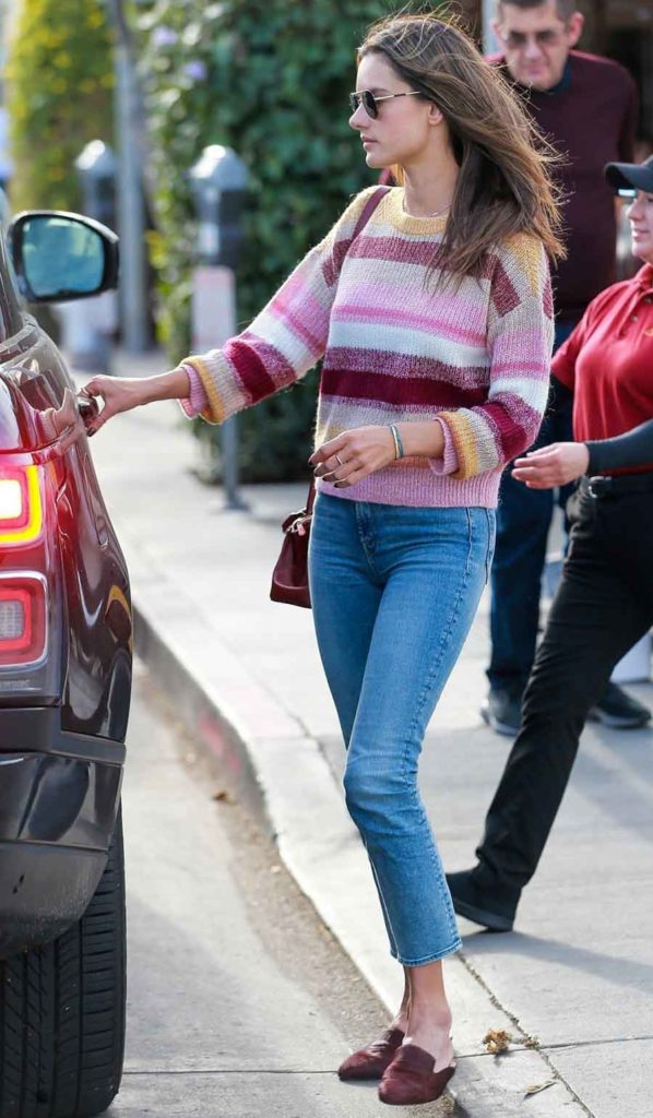 cropped jeans outfit, alessandra ambrosio, outfit id, steal her style, get the look