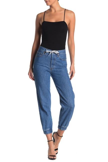 jogger jeans, how to wear jogger jeans, jogger pants, how to style jogger   pants, shoes to wear with jogger pants, joggers