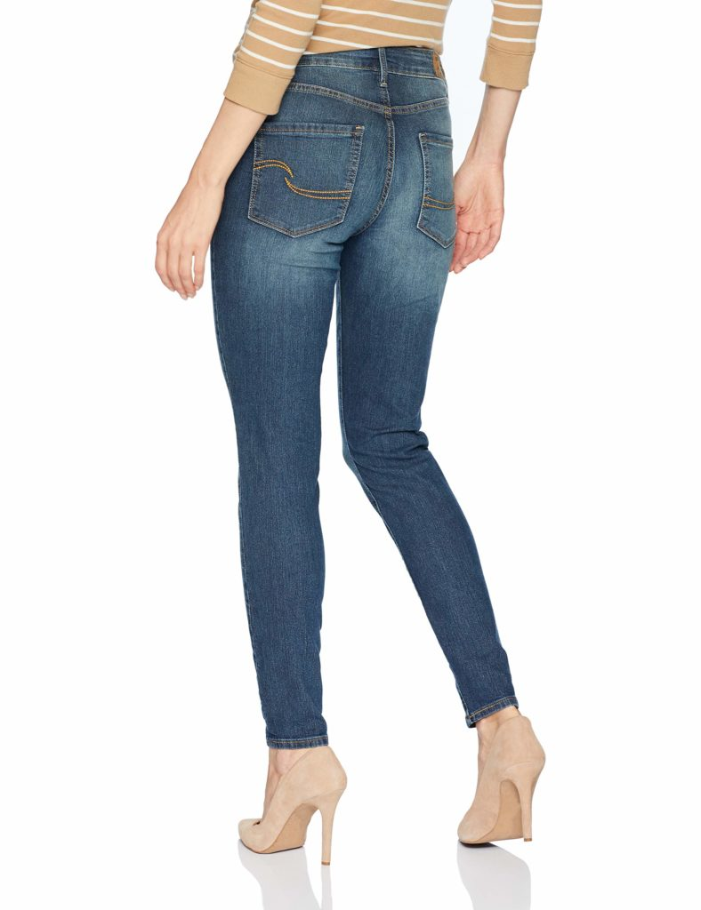 Best jeans for straight figure, Levi Strauss Signature Skinny Jeans back view