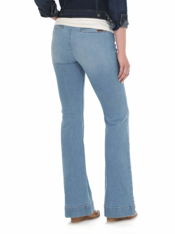 best jeans for athletic body type, best jeans for inverted triangle body type, Women's Wrangler Retro Mae Jeans