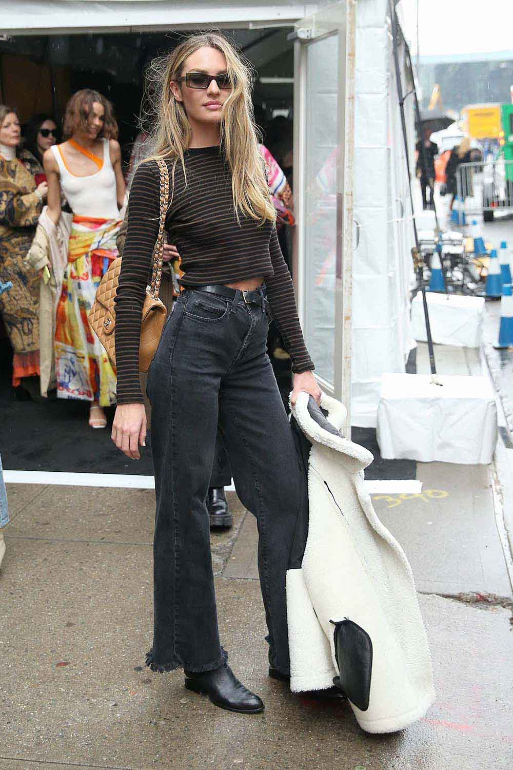 High Waisted Jeans Outfit x 2 – Candice Swanepoel Street Style