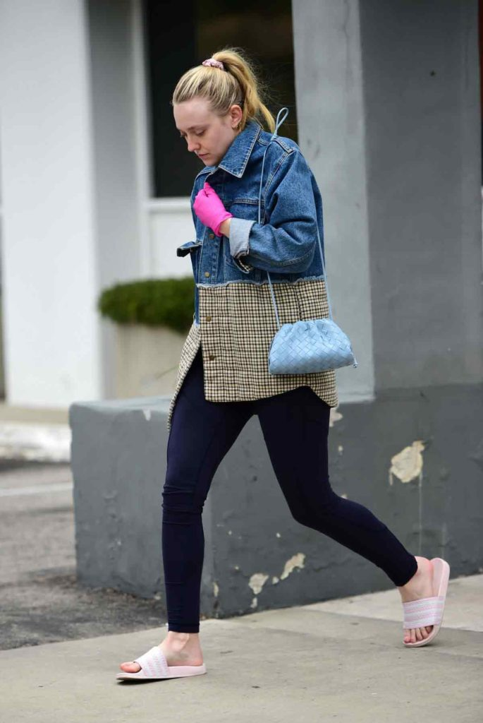 jean jacket with leggings, denim jacket, dakota fanning
